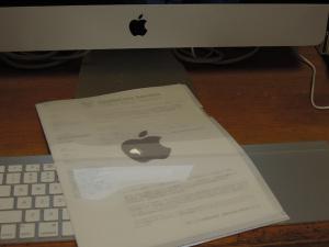 アップルマーク入りクリアファイル